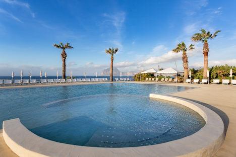 La Tonnara piscina.