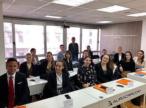 La aerolínea Air Horizont selecciona en Aura Vigo a 15 tripulantes