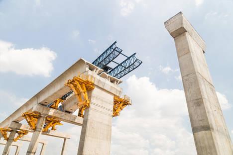 La caída de la inversión en España duplica en diez años el negocio de las grandes ingenierías en el exterior