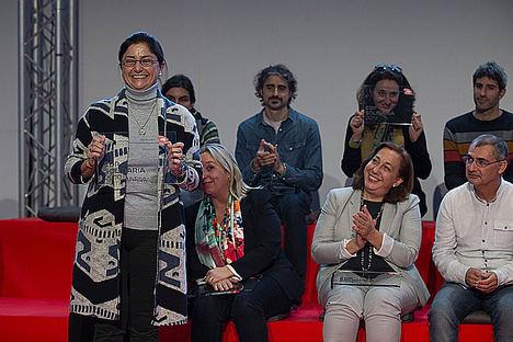La directora general Elena Escalona recoge el premio EDP Solidaria 2019 por su proyecto emprendimiento laboral.