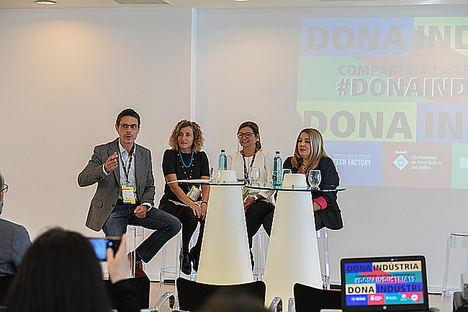 De izqda. a dcha.: Jordi Naval (BIOCAT), Mariona Sanz (Girbau), Laia Guiliera (MANUSA), Vanessa Martínez (Creaciones Aromáticas SA).