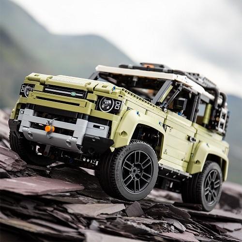 la maqueta del nuevo land rover defender de lego
