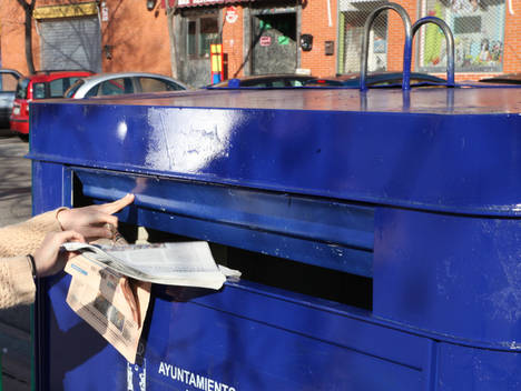 La recogida de papel y cartón para reciclar crecerá un 1,5% en 2017, según la previsión de ASPAPEL