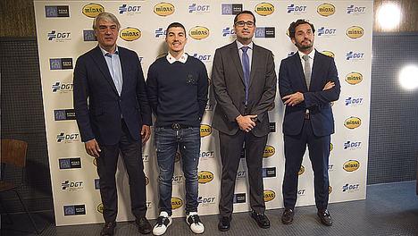 Las autoescuelas españolas distribuirán la Guía de Seguridad Vial de los motoristas elaborada por Midas y la DGT