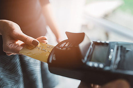 Las compras de turistas de fuera de la Unión Europea bajan un 5% en 2018, según Global Blue