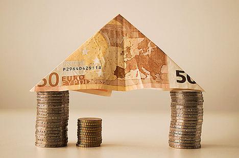 Las empresas formalizan créditos por valor de 243.000 millones de euros hasta el 31 de agosto