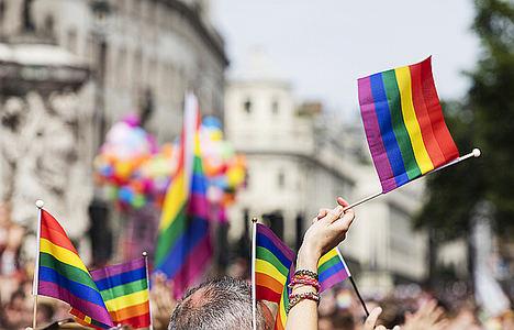 Las parejas LGTB podrán tener hijos con su información genética