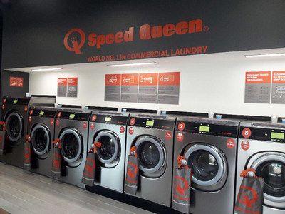 Speed Queen celebra la apertura de su tienda número 500 en Varsovia, Polonia