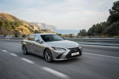 El nuevo Lexus ES 300h llega a España