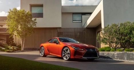 El nuevo Lexus LC 500h estrena color naranja Carnelian