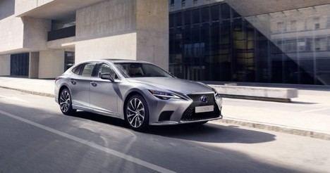 El nuevo Lexus LS 500h mejora el rendimiento eléctrico en un 30%