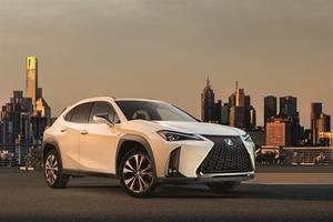 Lexus lanza en Madrid Auto los nuevos ES 300h y CT 200h Black & Grey Edition