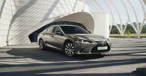 Lexus presenta la nueva gama del ES 300h