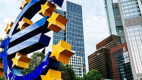 Los estándares de crédito de la eurozona se alivian y respaldan las perspectivas crediticias