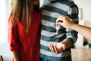 Los expertos de Yer Realty explican 'como comprar tu primera casa al mejor precio'