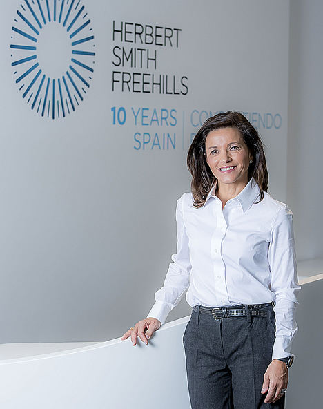 Herbert Smith Freehills, ficha a la secretaria general de Farmaindustria, Lourdes Fraguas