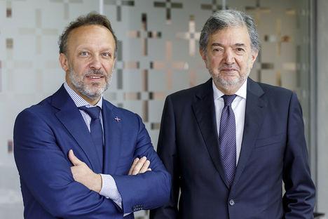 Luis De Torres, Director General Corporativo de ClarkeModet y Farrokh Keneshkar.