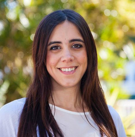 Luna Fernández, integrante del Área de Juventud de IU Granada.
