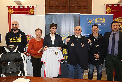MAD Lions E.C. reafirma su compromiso en la formación de sus jugadores con Javier 'JRA-Lion' Romero y la UCAM