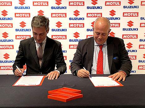 Juan López Frade, presidente de Suzuki Ibérica y Ferran Carreras, director general de Motul Ibérica.