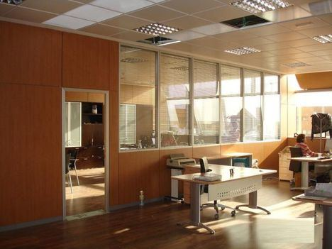 Mamparas de oficina para empresas, consejos para elegirlas