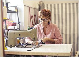 Máquinas de coser en óptimo estado: motor económico de la industria textil