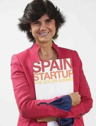 La fundadora de Spain Startup-South Summit, María Benjumea, recibe en el Senado el Premio a la Trayectoria Personal 2019