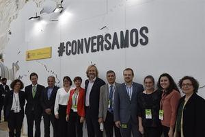 María Palau, responsable del área de Calidad y Medio Ambiente de OHL –cuarta por la izquierda-, en la presentación de la Guía Práctica de Restauración Ecológica en CONAMA 2018.