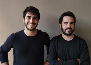 De izqda. a dcha.: Mario Martínez, cofundador, socio director, y Nacho de Grau, socio director de producto de VONZU.