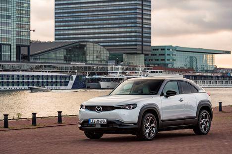 Mazda ofrece actualizaciones de forma remota en el software de sus vehículos