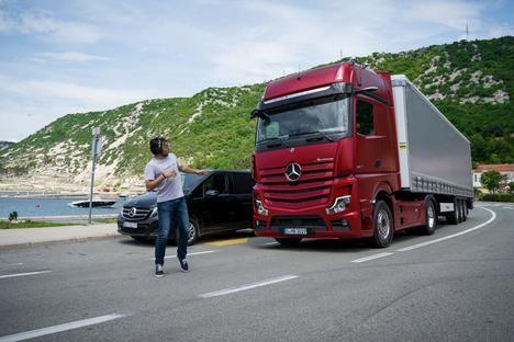 Mercedes-Benz Actros con sistemas de seguridad activa ABA5 de serie