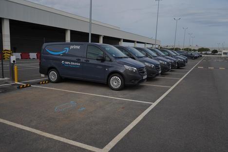 Amazon incorpora 60 furgonetas eVito