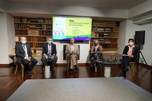 La colaboración multidisciplinar, estrategia clave para una asistencia sociosanitaria más humana