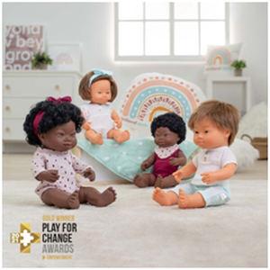 La empresa española Miniland ganadora del oro en los premios europeos Play for Change Awards 2021