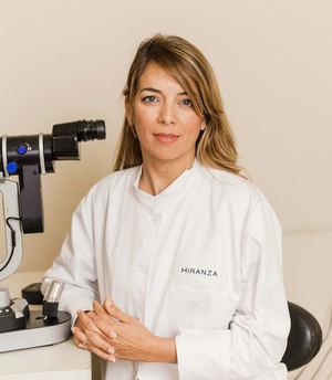 Dra. María Gessa, oftalmóloga de la clínica Miranza Virgen de Luján de Sevilla.