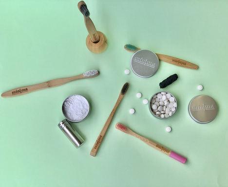 Mínima Organics lanza la primera pasta de dientes natural en polvo, sin plástico, hecha en España y con el sabor de un dentífrico tradicional