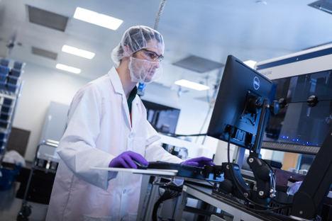 AWS impulsa la plataforma de biotecnología digital de Moderna para desarrollar una nueva clase de vacunas y terapias