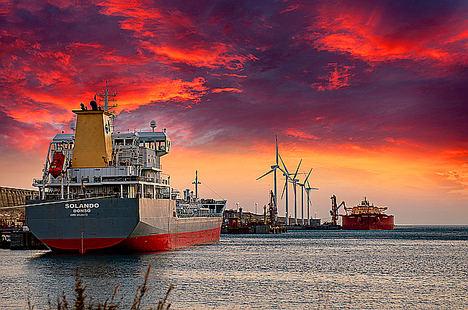 Molinos con barco, de Elena Pillado, 3º Premio Eolo de Fotografía 2019.