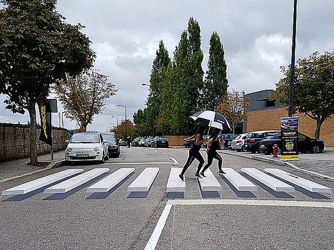 Monroe conciencia a los conductores con pasos de peatones en 3D