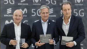 De izqda a dcha: Nicolás Brancoli, vicepresidente de Ericsson en Sudamérica. Andrés Ibarra, ministro de Modernización de Argentina. Federico Rava, presidente ejecutivo de Telefónica Argentina.