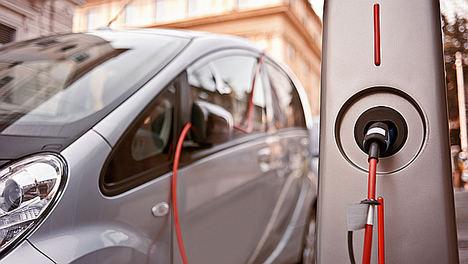 Más de la mitad de las ventas en 2025 serán de híbridos y eléctricos