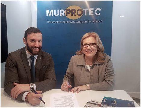 Miguel Ángel López, director de Murprotec España y Portugal y Ascensión de Aynat Bañón, presidenta de AMPSI.