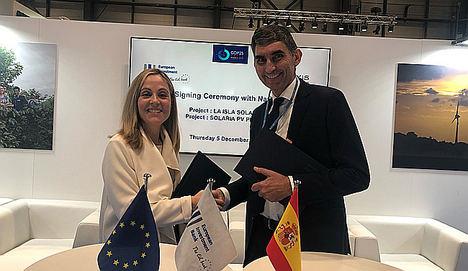 Emma Navarro,  vicepresidenta del BEI y el máximo representante del banco Natixis en España, Jean-Philippe Adam.