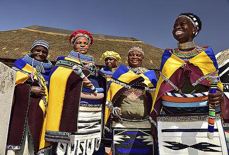 Mujeres Ndebele.