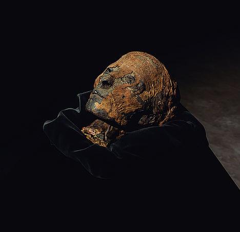 La cabeza de una momia del Imperio Nuevo de Egipto será una de las piezas protagonistas en FERIARTE 2019