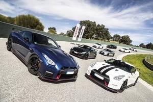 Una treintena de Nissan GT-R tomaron el Circuito de Ascari de la mano de Nissan Iberia