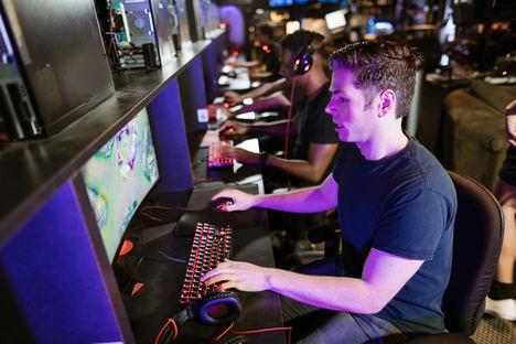 La empresa española OnlineChampion lleva la competición de los esports a jugadores amateurs de todo el mundo