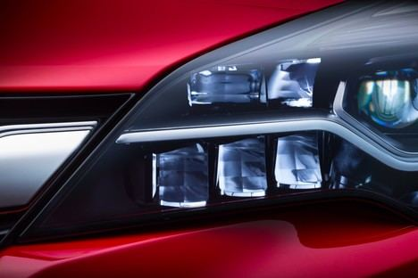 Opel Astra con luz matricial IntelliLux LED