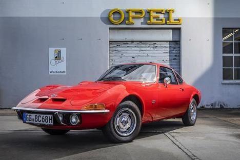 """Los Opel GT y Corsa GSi """"Coches Clásicos del Año"""""""