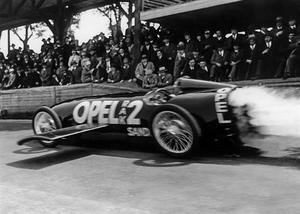 Hace 90 años, Opel impresionó en la era de los cohetes
